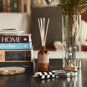 diffuseur pd candle co, senteur amber & moss, lodge boutique